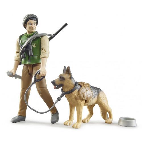 Figurina padurar cu caine si echipament, Bruder 62660