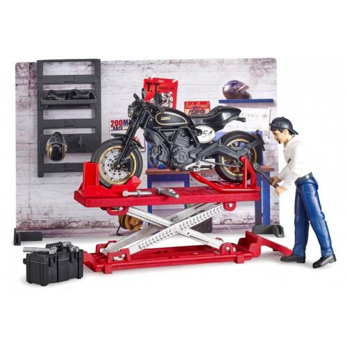 Atelier de motociclete, set Bruder 62101