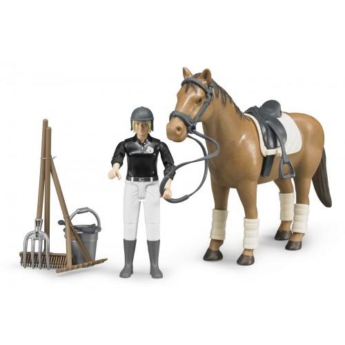 Figurina fetita jocheu si cal cu accesorii, Bruder 62505