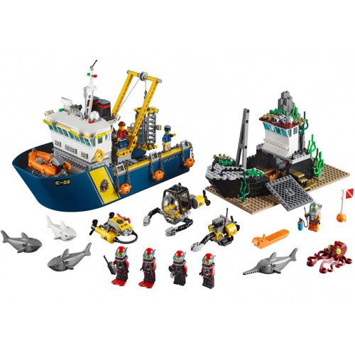 LEGO City, Nava de explorare in largul marii 60095