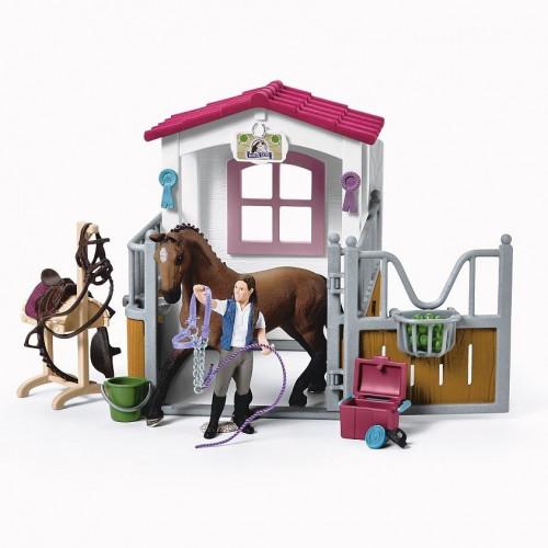 Set Figurina Schleich 42404, Zona de spalare a cailor cu grajd