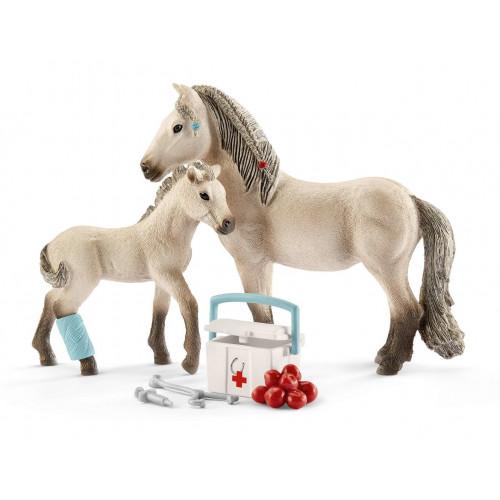 Set Schleich 42430, Trusa de prim ajutor si calul islandez