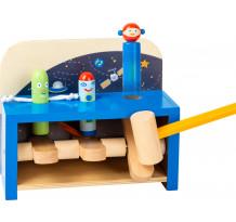 Jucarie de ciocanit din lemn, Space