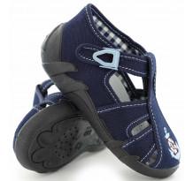 Sandale baietel, cu catarama, din material textil, bleumarin, cu motiv brodat