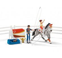 Set Schleich 42443, Calarie pentru sarituri peste obstacole Horse Club al Miei