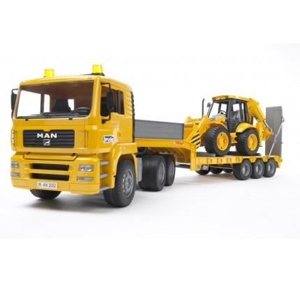Camion Bruder MAN TGA cu platforma joasa si excavator JCB 4CX